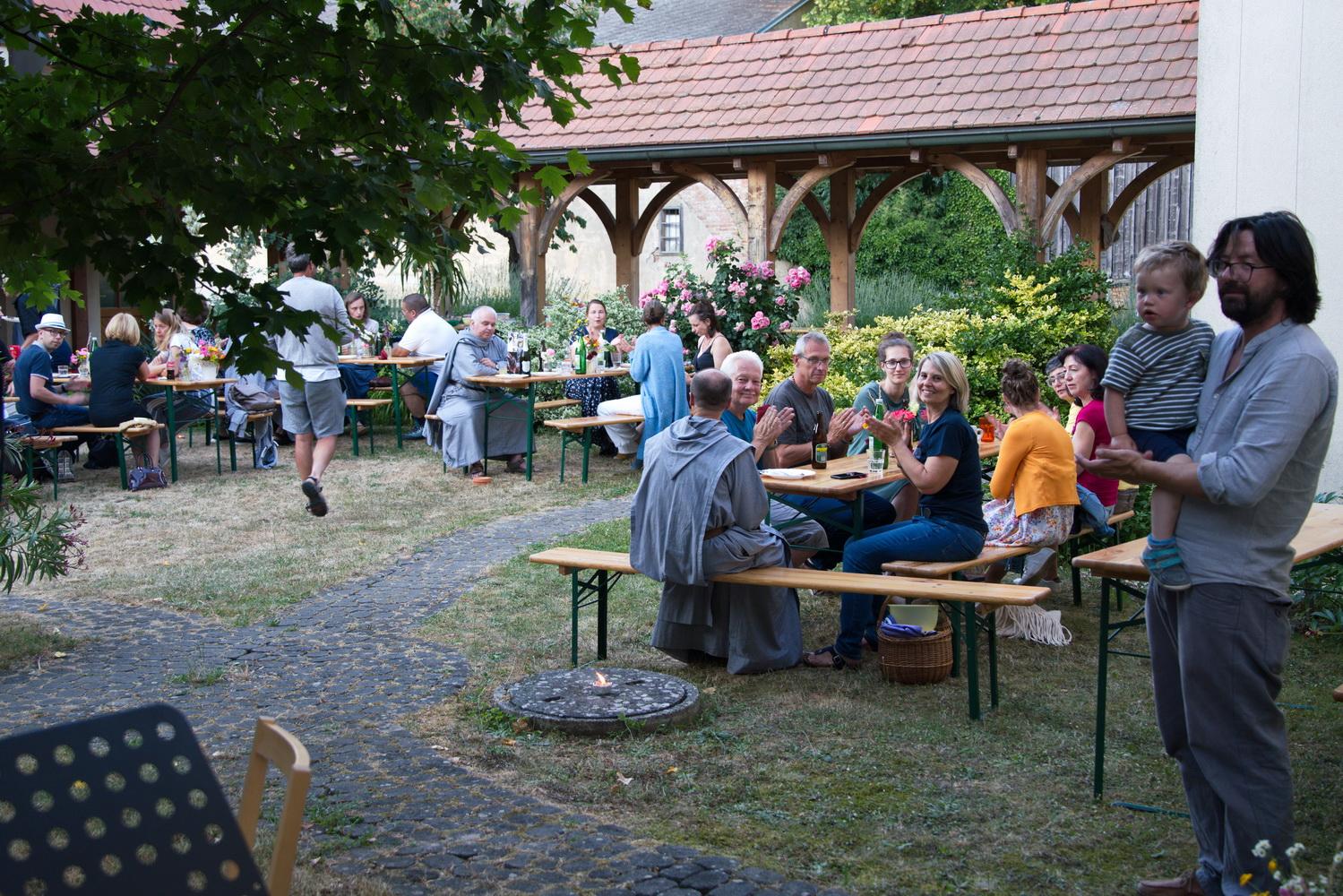 Grillen-im-Klostergarten-16