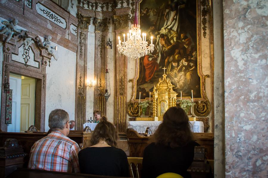 Heilige Messe in Schlosshof