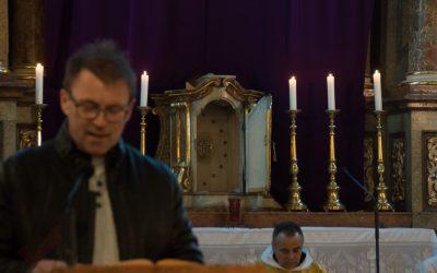 Heilige Messe und anschließende Aussendung der Ratschenkinder