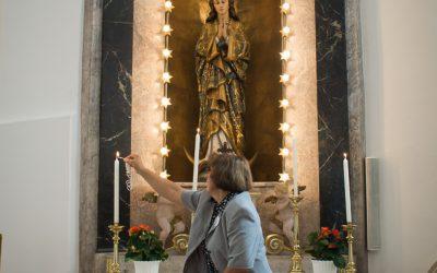Gottesdienst in der frisch gestrichenen, gesäuberten und liebevoll hergerichteten Kirche in Markthof
